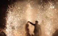 مشعل و آتش بازی